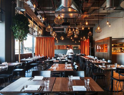 餐厅, 桌椅组合, 吊灯, 植物