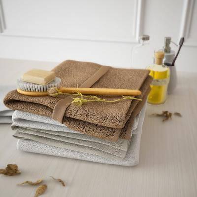 现代, 卫浴小件, 毛巾, 毛刷, 洗护用品, 日用组合