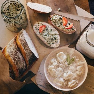 面包, 菜板, 现代