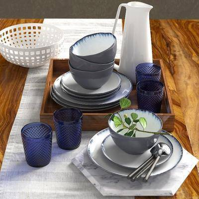 餐布, 端盘, 餐具, 水壶, 现代