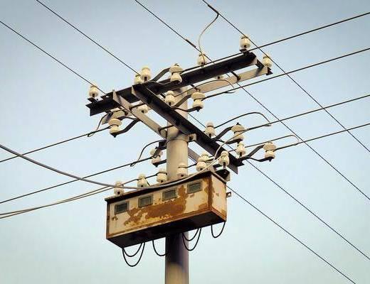 现代电线杆, 电线杆