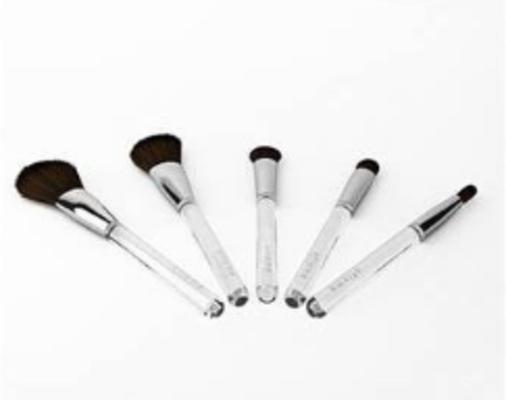 化妆刷, 化妆品